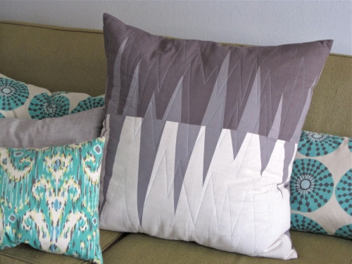 sewkatiedid/triangle pillow