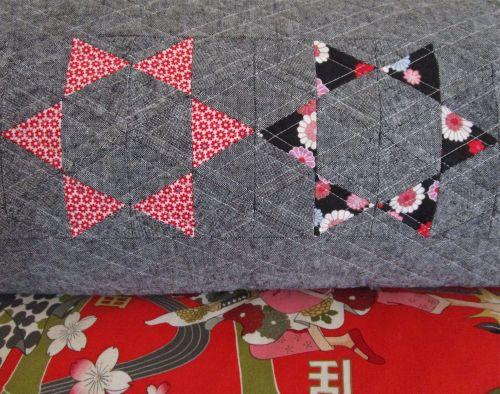 sewkatiedid:throwing star pillow favorites