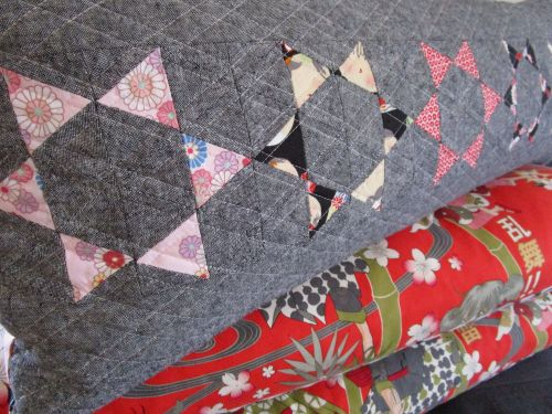 sewkatiedid:throwing stars pillow detail:to the point triangle workshop