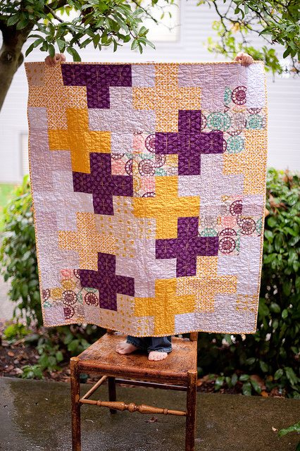 https://sewkatiedid.wordpress.com/2011/10/12/cross-quilt-done/