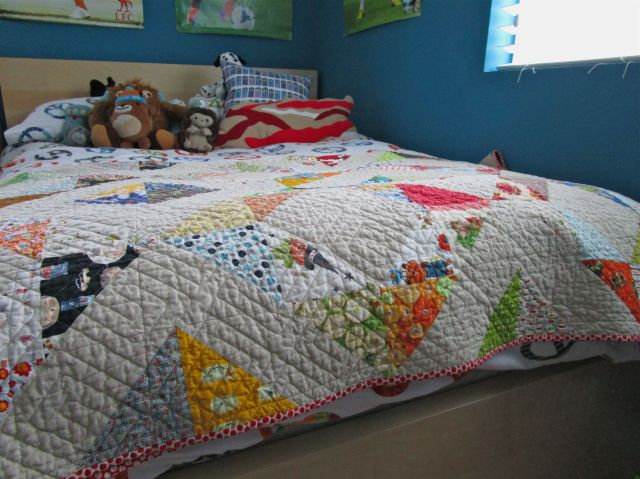 SEW KATIE DID:Roan's Quilt Bed