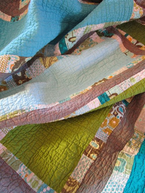 SEW KATIE DID:Stepping Stone Quilting Detail:Quilting Modern