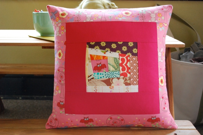 SEW KATIE DID/Scrappy Pillow