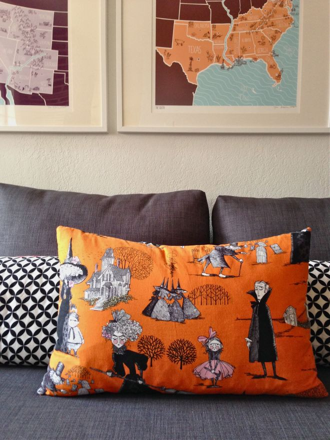 SEW KATIE DID:Halloween Pillow one