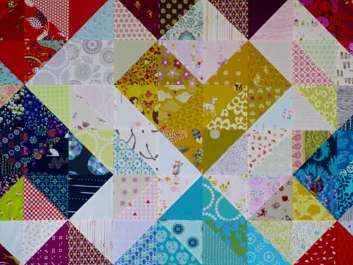 SEW KATIE DID: Warm and Cool Hearts Value Quilt Tutorial:Close